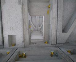 一階の天井に四角い穴