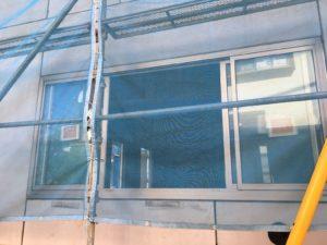 4枚窓が付きました。