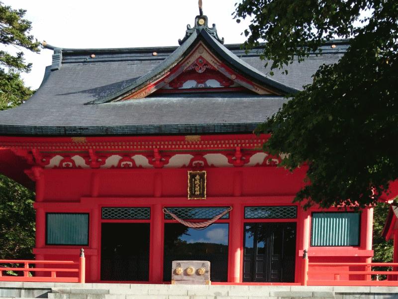 入山前に赤城神社でお参り