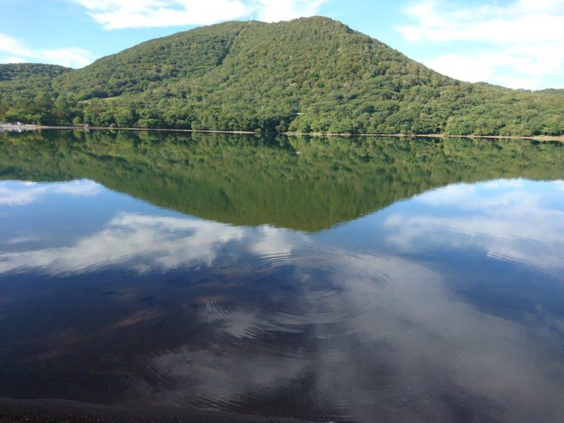 大沼に映る赤城山・地蔵岳