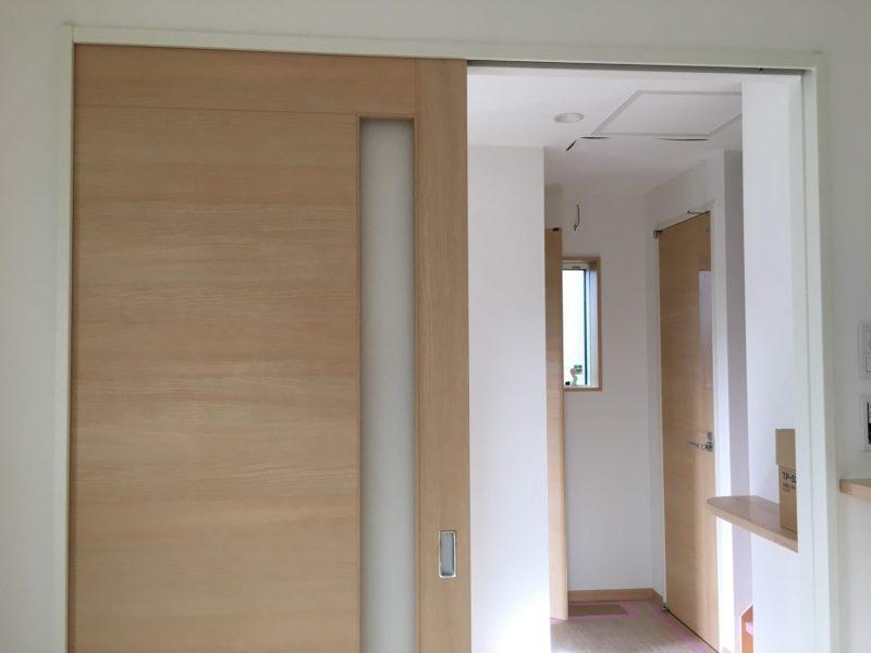 扉と壁紙が付くと住まいに見える