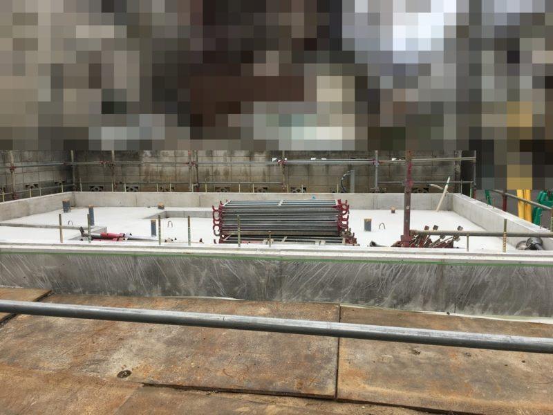 足場の搬入