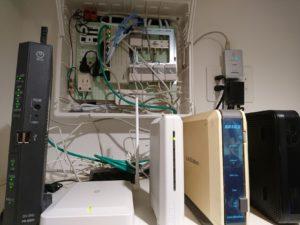 情報分電盤に接続